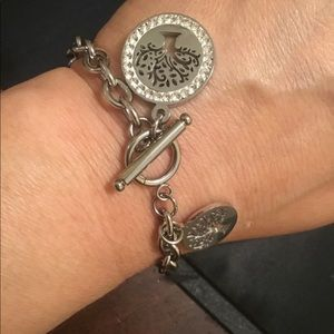 Jewelry - 18k white gold plated bracelet ,Won't Tarnish